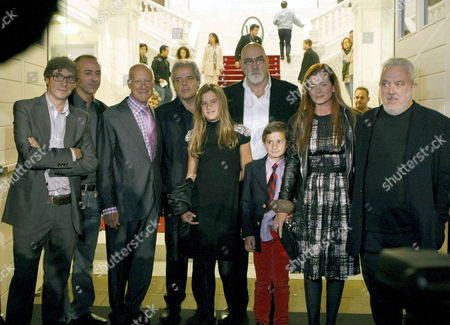 British Architect Sir Norman Foster (3l) and His Wife Elena Ochoa (2r) Pose For the Media Along with Film Directors Imanol Uribe (r) Norberto Lopez Amado (l) and Carlos Carcas (2l) Prior to the Screening of 'How Much Does Your Building Weigh Mr Foster?' During the 58th Annual San Sebastian International Film Festival Held in San Sebastian Basque Country Northern Spain on 24 September 2010 a Documentary Film About Foster's Work 'How Much Does Your Building Weigh Mr Foster?' is Directed by Lopez Amado and Carcas Spain San Sebastian