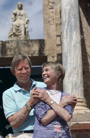 British Actors Michael York (l) and Susannah York Pose For Photographers During an Interview with Efe in Merida Spain 30 August 2008 the Actors Will Perform a Reading of British Playwright William Shakespeare's Play 'Antony and Cleopatra' on the Closing Day of the Classical Theatre Festival Spain Merida