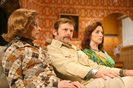 The cast includes, Abigail Thaw as Diana (daughter of John Thaw) Ian Targett as Colin, Claire Lams as Evelyn and Sally Ann Triplett as Marge.
