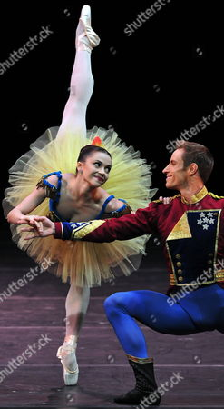 A Picture Made Available on 02 November 2010 Shows New York City Ballet First Dancers Megan Fairchild (l) Y Andrew Veyette (r) in Havana As They Perform the Play 'Stars and Stripes' During the International Ballet Festival in Havana Cuba 01 November 2010 the International Ballet Festival Runs From 28 October to 06 November 2010 Cuba Havana