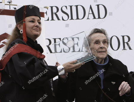 A Picture Dated 03 September 2009 Shows British Born Mexican Painter and Sculpter Leonora Carrington (r) Receiving the 'Sor Juana Ines De La Cruz' Medal of the Universidad Del Claustro De Sor Juana (ucsj) For Her Contribution to the Cultural Development in the Country in Mexico City Mexico 03 September 2009 Mexico Mexico City
