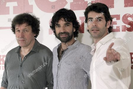 Spanish Director Mateo Gil (c) Poses with Cast Members British Actor Stephen Rea (l) and Spanish Actor Eduardo Noriega (r) During the Presentation of His Movie 'Blackthorn' in Madrid Spain 28 June 2011 the Movie Will Be Screened in Spanish Theatres From 01 July Spain Madrid