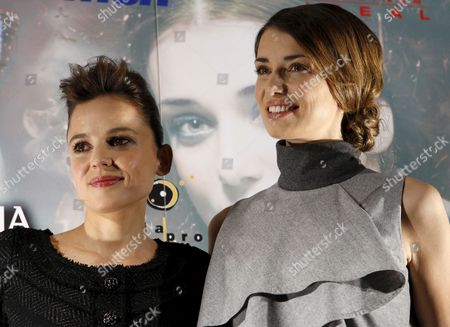 Actresses and Cast Members Spaniard Elena Anaya (l) and Russian Natasha Yarovenko Pose For Photographers As They Present the Film 'Room in Rome' by Spanish Director Julio Medem in Madrid Spain 04 May 2010 the Actresses Play Women who Experience a Torrid and Explicit Lesbian Love Affair in a Room at a Hotel in Rome the Film Opens in Spain on 07 May 2010 Spain Madrid