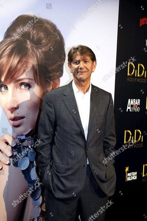 Us Actor Peter Coyote Poses For Photos While Arriving to Bigas Luna Film 'Didi Hollywood' Premiere in Madrid 13 October 2010 Spain Madrid