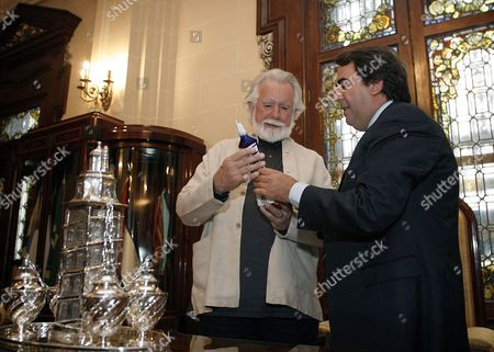 Alvy Ray Smith (l) Co-founder of the Us Computer Animation Film Studio Pixar Receives a Figurine of the Tower of Hercules an Ancient Roman Lighthouse From La Coruna Mayor Carlos Negreira (r) in La Coruna Spain 08 July 2011 Smith is the Main Guest of the Film Industry Attending the 10th International Animation Special Effects Video Games and Digital Architecture Festival in La Coruna on 08 July the Festival Runs Until 09 July Spain La Coruna
