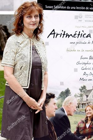 Us Actress Susan Sarandon Poses For Photographers As She Presents Her Film 'Emotional Arithmetic' in Madrid Spain 05 June 2008 Film Which is Based on a Book by Matt Cohen is Directed by Canadian Paolo Barzman and the Movie is Starring Gabriel Byrne Max Von Sydow Christopher Plummer and Roy Dupus Spain Madrid