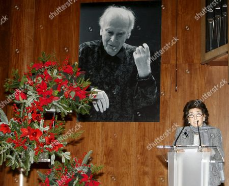 A Picture Made Available on 16 December 2010 Shows Spanish Pianist and Founder and Current Principal of the Queen Sofia College of Music Paloma O'shea Delivering a Speech Before Spain's Queen Sofia Chaired a Concert to Pay Tribute to Us Violinist and Orchestra Conductor Yehudi Menuhin in Madrid Spain 15 December 2010 Menuhin (1916-1999) was One of the Members of the Academic Committee and the Board of Trustees of the School From Its Creation in 1991 Spain Madrid