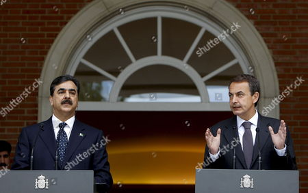 Spanish Prime Minister Jose Luis Rodriguez Zapatero (r) Speaks During the Joint Press Conference Held After His Meeting with His Pakistani Counterpart Yousaf Raza Gillani (l) at La Moncloa Presidential Palace in Madrid Spain 02 June 2010 Gillani Also Met King Juan Carlos of Spain Today Spain Madrid