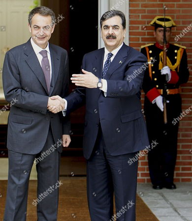 Spanish Prime Minister Jose Luis Rodriguez Zapatero (l) Shakes Hands with His Pakistani Counterpart Yousaf Raza Gillani During the Welcome Ceremony Held Prior to Their Meeting at La Moncloa Presidential Palace in Madrid Spain 02 June 2010 Gillani Will Meet the King of Spain Later Today Spain Madrid