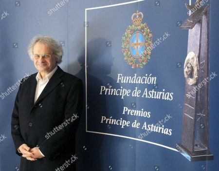 Libanese Writer Amin Maalouf Poses Prior to His Press Conference in Oviedo Asturias Spain 20 October 2010 Maalouf Will Be Presented the 2010 Prince of Asturias Award For Letters During a Ceremony in Oviedo on 22 October Spain Oviedo