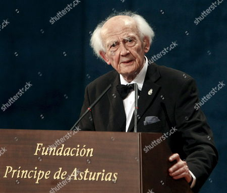 Hungarian Sociologist Zygmunt Bauman Delivers a Speech After Receiving the Prince of Asturias Prize 2010 For Communications and Hummanities During the Prince of Asturias Awards Ceremony in Oviedo Spain 22 October 2010 Spain Oviedo