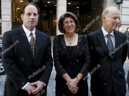 Stock Image of (l-r) Us Biochemist David Julius Us Biochemist and Physiologist Linda Watkins and Israeli Genetist and Biochemist Baruch Minke Pose Prior to a Discussion on 'Pain As a Challenge For Humanity' Held at the Auditorium of the Historical Building of the University of Oviedo in Oviedo Asturias Northern Spain on 21 October 2010 They Will All Be Presented the 2010 Principe De Asturias Award For Technical and Scientific Research on 22 October 2010 in Oviedo Spain Oviedo
