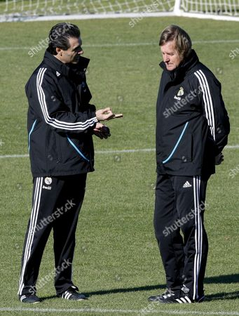 Real Madrid German Head Coach Bernd Schuster (r) Chats with His Assistant Manuel Ruiz (l) During a Training Session of the Team Held at the Valdebebas Sports City in Madrid Central Spain 19 November 2008 the Club's Sporting Director Predrag Mijatovic on 18 November Gave a Vote of Confidence to Bernd Schuster and His Players in the Wake of Saturday's Defeat Double Champions Real Have Suffered Several Recent Defeats in All Competitions and Are Currently Fourth in the Primera Liga Five Points Behind Leaders Barcelona Spain Madrid