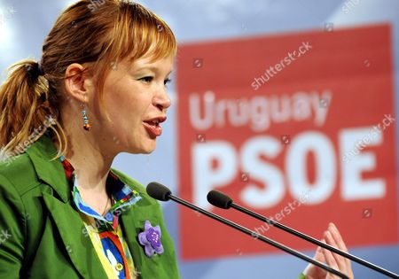 Secretary of the Organization of Spanish Socialist Party (psoe As in Spanish) Leire Pajin Speaks During the Opening Act of 15th Encounter of American Groups of Psoe at Gallego Center in Montevideo Uruguay 27 March 2010 Uruguay Montevideo