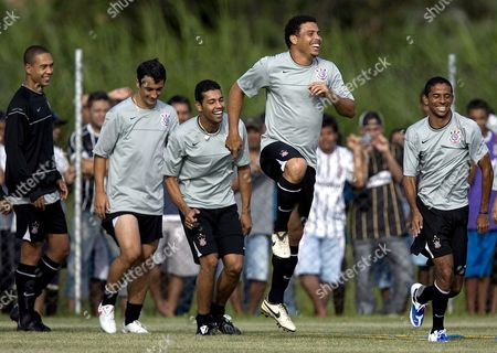 Brazilian Soccer Player Ronaldo Luis Nazario De Lima (c-r) in Action During a Training Session at the Training Center of His Club Corinthians at 'Parque Ecologico' in Sao Paulo Brazil 19 March 2009 Brazil Sao Paulo