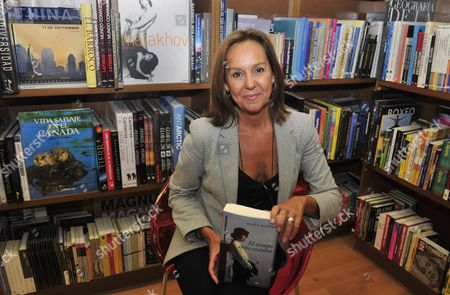 Spanish Writer Maria Duenas Poses During an Interview in Mexico City Mexico 06 September 2010 She Will Launch Her Novel 'El Tiempo Entre Costuras' in Four Latin American Countries: Mexico Colombia Brazil and Argentina Mexico Mexico City