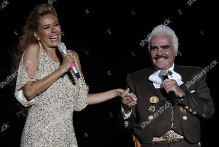 Mexican Singer Vicente Fernandez (r) and Singer and Host Galilea Montijo (l) in the Event 'Jalisco En Vivo' in Guadalajara Mexico 05 June 2011 Jalisco En Vivo is Part of the Events Before the Next Panamerican Games Due to Be Held in Mexico From 14 to 30 October 2011 Mexico Guadalajara