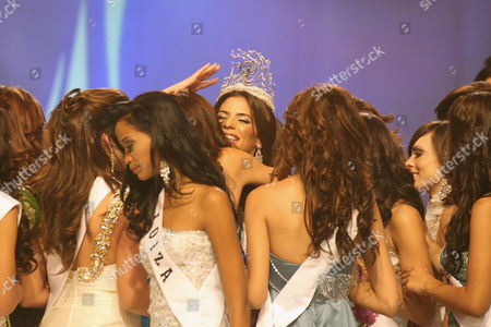 A Picture Made Available 05 November 2010 Shows New Miss Puerto Rico Universe 2011 Viviana Ortiz As She is Congratulated by Her Companions After Winning the Crown During the National Beauty Contest at the San Juan Convention Center in San Juan Puerto Rico 04 November 2010 Viviana Ortiz 23 Years Old Imposed Herself Over Her Competitors and Satisfied the Expectations That As One of the Favorites Puerto Rico San Juan