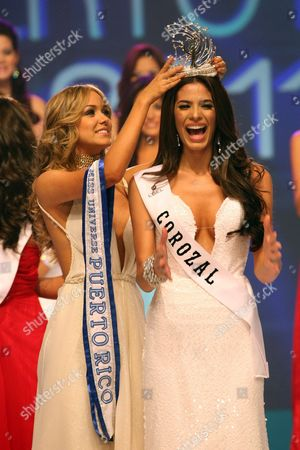 Stock Picture of A Picture Made Available 05 November 2010 Shows Miss Puerto Rico Universe 2010 Mariana Vicente (l) As She Crowns the New Miss Puerto Rico Universe 2011 Viviana Ortiz During the National Beauty Contest at the San Juan Convention Center in San Juan Puerto Rico 04 November 2010 Viviana Ortiz 23 Years Old Imposed Herself Over Her Competitors and Satisfied the Expectations That As One of the Favorites Puerto Rico San Juan