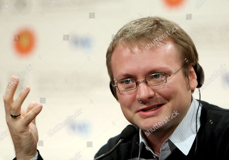 Us Writer and Film Director Rian Johnson at a Press Conference to Present His Film 'The Brothers Bloom' Which Will Be Screened Tonight 27 September 2008 During the Closing Ceremony of the 56 Annual San Sebastian Film Festival in San Sebastian Spain 27 September 2008 the Film 'Pandora's Box' Directed by Turkish Yesim Ustaoglu Won the 'Concha De Oro' Award Spain San Sebastian (guip·zcoa)