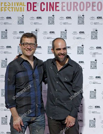 British Director Bernard Rose (l) and Spanish Actor Luis Tosar (r) Pose During the Presentation of Their Movie 'Mr Nice' at the European Film Festival in Seville Spain 06 November 2010 the Festival Runs From 05 to 13 November 2010 Spain Seville