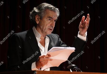 Editorial picture of Spain Literature - Jun 2011
