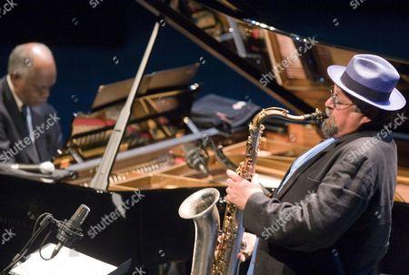 Us Saxophonist Joe Lovano (r) and His Fellow Countryman Pianist Hank Jones Perform During Their Concert on the Fourth Day of the 44th San Sebastian Jazz Festival in San Sebastian Spain 25 July 2009 Spain San Sebastian