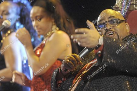 Stock Picture of Us Country and Soul Musician Solomon Burke (r) Performs Ion Stage During His 'San Benito' Nights Concert in Valldolid Central Spain 14 July 2010 Spain Valladolid