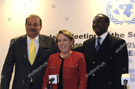Director of United Nations Industrial Development Organization (unido) Kandeh Yumkella (r) with Mexican Secretary of Energy Georgina Kessel (c) and Mexican Bussinessman Carlos Slim (l) During a Meeting with Un Advisory Group on Energy and Climate Change in Mexico City Mexico 15 July 2010 Members of the Meeting Were Informed That Around 1 500 Million of People All Over the World Don't Have an Electric Service and 3 000 Million Still Cook with Wood Mexico Mexico City
