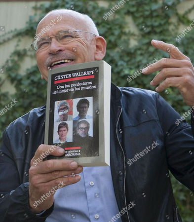 German Writer and Undercover Journalist Guenter Wallraff Gestures As He Presents the Spanish Edition of His Latest Book 'Con Los Perdedores Del Mejor De Los Mundos' (lit: 'With the World's Best Losers') in Barcelona Spain 28 September 2010 Spain Barcelona