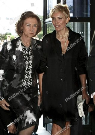 Spanish Queen Sofia (l) and the Wife of Spanish Prime Minister Jose Luis Rodriguez Zapatero Sonsoles Espinosa (r) Arrive to Attend a Performance of the Opera Play 'Eugenio Oneguin' by Tchaikovski in Madrid Central Spain 07 September 2010 Tonight's is the First Performance at the Teatro Real After the Appointment of Gerard Mortier As Artistic Director Spain Madrid
