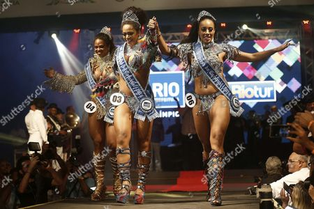 Carnival of Rio 2016's Queen Clara Cristina (c) and Princesses Uillana Alves (r) and Bianca Dos Santos During the Election Event of the King and Queen of Carnival of Rio 2016 in Rio De Janeiro Brazil Late 13 November 2015 Brazil Rio De Janeiro