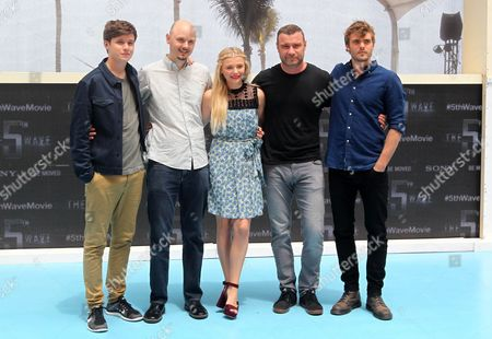 A Picture Made Available on 13 June 2015 Shows (l-r) Actors/cast Members of 'The 5th Wave' Us Nick Robinson Us Director J Blakeson Us Chloe Grace Moretz Us Liev Schreiber and Us Alex Roe Posing During the First Day of 5th Annual Summer of Sony at the Ritz Carlton Hotel in Cancun Mexico 12 June 2015 Mexico Cancun