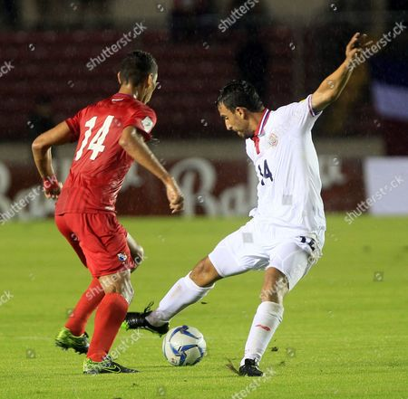 Panama's Valentin Pimentel (l) in Action Against Costa Rica's Randall Azofeifa (r) During Their Qualifying Match For the 2018 Fifa World Cup Russia in Panama City Panama 17 November 2015 Panama Panama