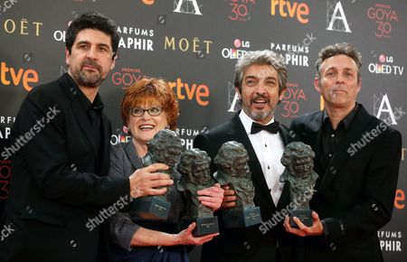 (l-r) Spanish Director Cesc Gay Producer Marta Esteban Argentinian Actor Ricardo Darin and Spanish Screenwriter Tomas Aragay Pose with Their Awards For the Film 'Truman' During the 30th Goya Awards Ceremony at the Madrid Marriott Auditorium Hotel in Madrid Spain 06 February 2016 the Goya Awards Are Handed out by the Spanish Film Academy Spain Madrid