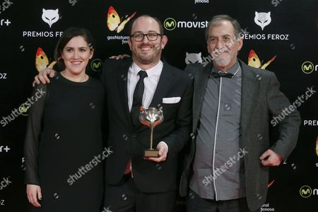 (l-r) Spanish Producer Nahikari Ipina Director Borja Cobeaga and Actor Ramon Barea Pose with Best Comedy Award For the Film 'Negociador' (negotiator) During the 3rd Feroz Film Awards Ceremony Held at Gran Teatro Principe Pio in Madrid Spain 19 January 2016 Spain Madrid