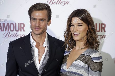 Us Model Jason Morgan (l) and Norwegian Photographer and Blogger Hanneli Mustaparta (r) who was Awarded with the 'Most Pretty Face of 2015' in the Woman Category Pose During the Photocall Organizated by Glamour Beauty Magacine in Madrid Spain 04 February 2016 Spain Madrid