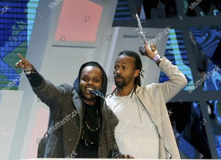 Singers Tshawe Baqwa (r) and Yosef Wolde-mariam (l) of Swedish Hip Hop Band 'Madcon' Receive the Best International Videoclip Award During the 40 Principales Gala Awards Held at Palacio De Los Deportes Pavilion in Madrid Spain 11 December 2015 Spain Madrid