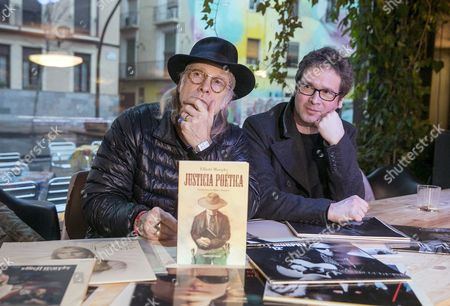 Us Musician Elliott Murphy (l) Attends a Press Conference to Present His Novel 'Poetic Justice' in Zaragoza Northern Spain 18 January 2016 Murphy Will Perform During a Concert in Zaragoza on 24 January Spain Zaragoza