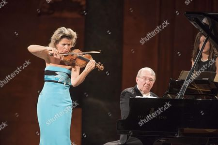 German Violinist Anne-sophie Mutter and Us Pianist Lambert Orkis Perfoms on Stage During 64th International Festival of Music and Dance of Granada Soth Spain 02 July 2015 Spain Granada