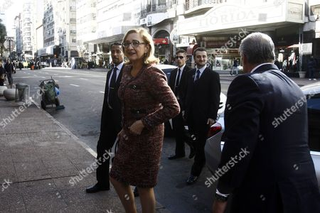 Stock Image of Georgian Foreign Minister Tamar Beruchashvili (c) Arrives at Uruguayan Foreign Ministry Headquarters in Montevideo Uruguay 24 June 2015 Beruchashvili is on a Latin American Tour That Includes Argentina and Chile Uruguay Montevideo