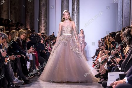 Dutch model Roos Abels presents creation of the Spring/Summer 2017 Haute Couture collection by Lebanese designer Elie Saab during the Paris Fashion Week, in Paris, France, 25 January 2017. The presentation of the Haute Couture collections runs from 22 to 26 January.
