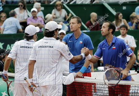 Czechs Radek Stepanek (r) and Tomas Berdych (2-r) Shake Hands with Argentineans Eduardo Schwank (2-l) and Carlos Berlocq (l) After the Doubles Game For the Third Point of the Davis Cup Semifinals at Parque Roca in Buenos Aires Argentina 15 September 2012 the Czechs Won Argentina Buenos Aires