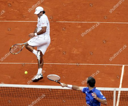 Czech Player Radek Stepanek (r) in Action Against Argentinean Player Eduardo Schwank (l) During Their Doubles Match of the Davis Cup Semi Final Between Argentina and the Czech Republic at Parque Roca in Buenos Aires Argentina 15 September 2012 Argentina Buenos Aires