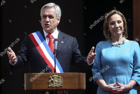 Chilean President Sebastian Pinera (l) Speaks Next to His Wife Cecilia Morel During the Conmemoration of Chile's Independence Day in Santiago De Chile Chile 18 September 2012 Chile Celebrates 202th Anniversary of It's Independency From Spain Chile Santiago De Chile