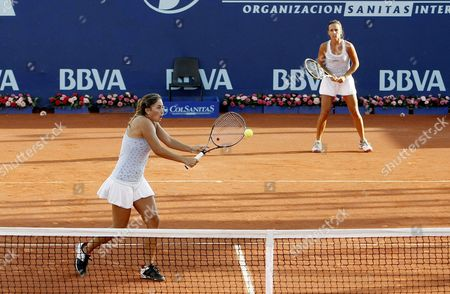 Argentinean Tennis Players Maria Irigoyen (r) and Mailen Auroux (l) Return a Ball Against Fellow Country Woman Gisela Dulko and Paola Suarez During a Match of the Bbva Colsanitas Tennis Cup in Bogota Colombia 15 February 2012 Colombia Bogota