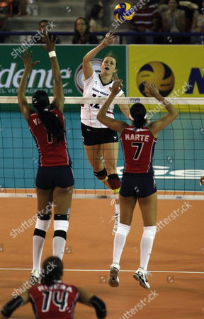 German Player Heike Beier (c) Plays the Ball Against Valdez (l) and Marte (r) of the Dominican Republic During the Volleyball Grand Prix in Santo Domingo Dominican Republic on 09 June 2012 Dominican Republic Santo Domingo