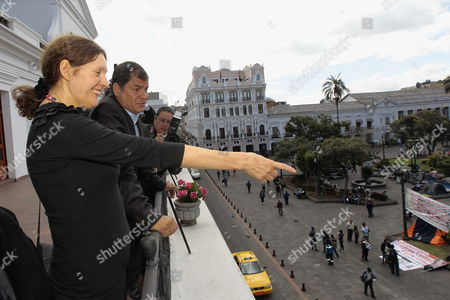 Ecuadorean President Rafael Correa (2l) and Christine Assange (l) Mother of Founder of Wikileaks Julian Assange Observe the Independencia Square From the Balcony of Government Palace in Quito Ecuador 01 August 2012 Both Talked About the Asylum Request by Julian Assange to Ecuador Ecuador Quito