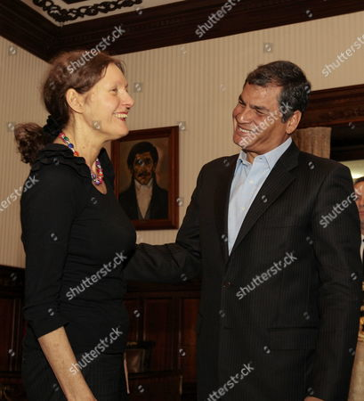 Ecuadorean President Rafael Correa (r) Talks to Christine Assange (l) Mother of Founder of Wikileaks Julian Assange in Quito Ecuador 01 August 2012 Both Talked About the Asylum Request by Julian Assange to Ecuador Ecuador Quito