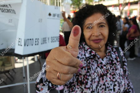 Maria Elena Diaz Mora Resident in Us Poses After Casting Her Vote in a Polling Station For Voters who Live in United States Located in Tijuana Baja California Mexico 01 July 2012 During the Mexican Presidential Elections Mexico Tijuana